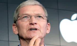CEO Apple Kedapatan Kantongi iPhone 8, Ini Fotonya! 7