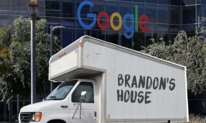 Seorang Karyawan Google Tinggal di Truck Sederhana, Kenapa Ya? 7