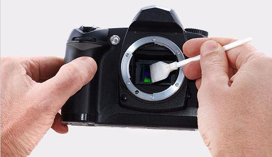 Bersihkan Sensor Kamera