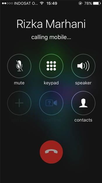 Mencoba Menelpon Orang