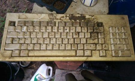 5 Cara Bersihkan Keyboard Komputer dari Kuman dan Bakteri 13
