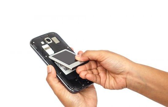 Nyakan Smartphone dan Cek Komponen