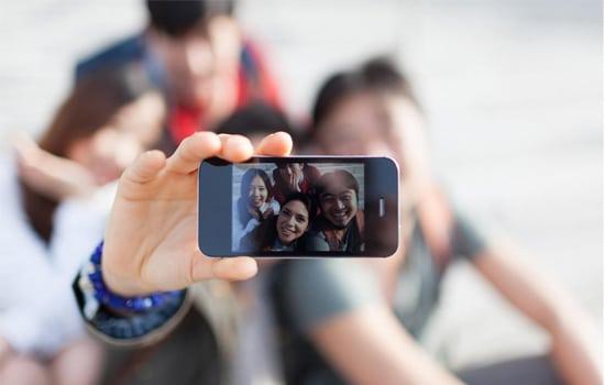 Selfie Bareng Teman