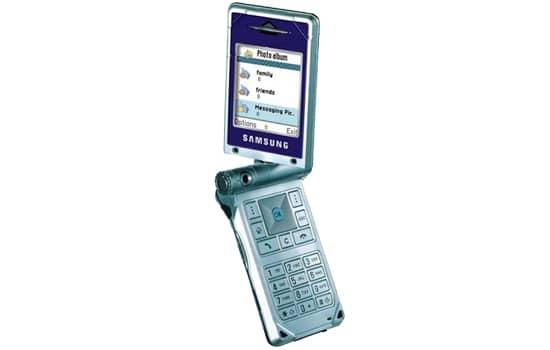 Samsung D700