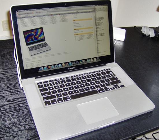 Monitor, Keyboard dan Touch Pad Macbook