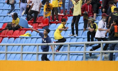 8 Potret Keganasan Suporter Sriwijaya FC di Stadion Jakabaring 20