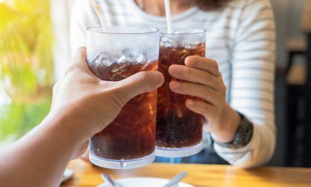 Bahaya Keseringan Minum Soda