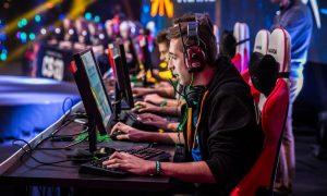 Profesi untuk Gamers dengan Gaji Fantastis