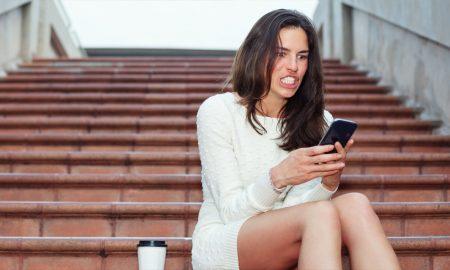 Tanda Harus Mengurangi Main Media Sosial