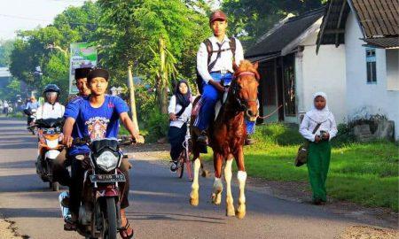 Kelakuan Orang Indonesia yang Bikin Heran