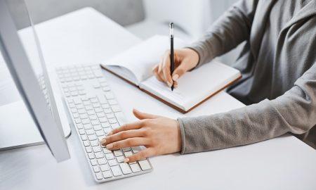 Manfaat dari Rutin Menulis